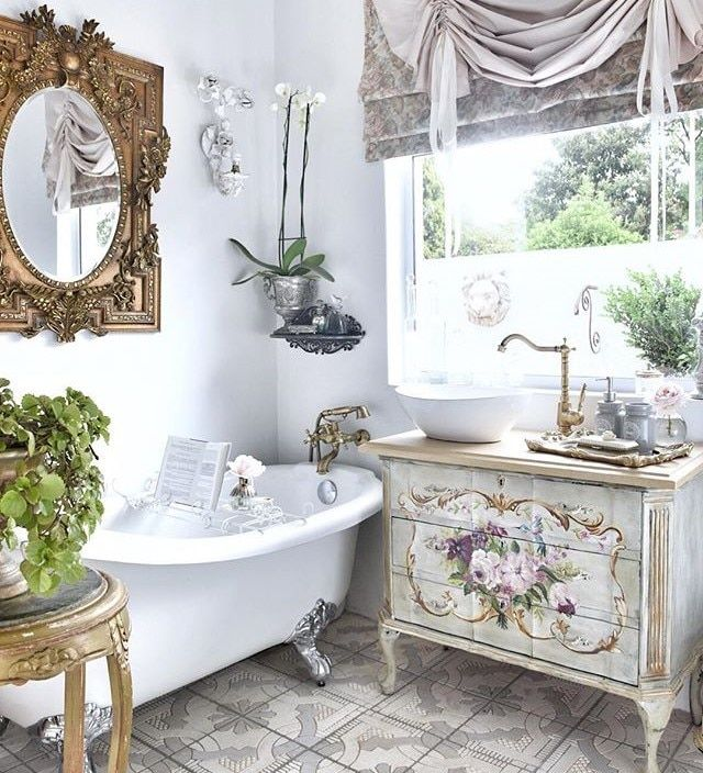 Say Bonjour To The Top French Country Design And Decor Ideas French Bathroom Decor French Country Design Country Style Interiors