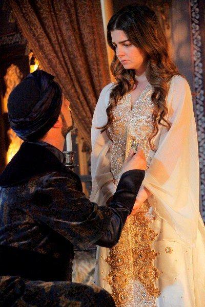 Rustem Pasa Mihrimah Sultan Muhtesem Yuzyil 99 Bolum Girl Photo Poses Indian Wedding Outfits Celebrities