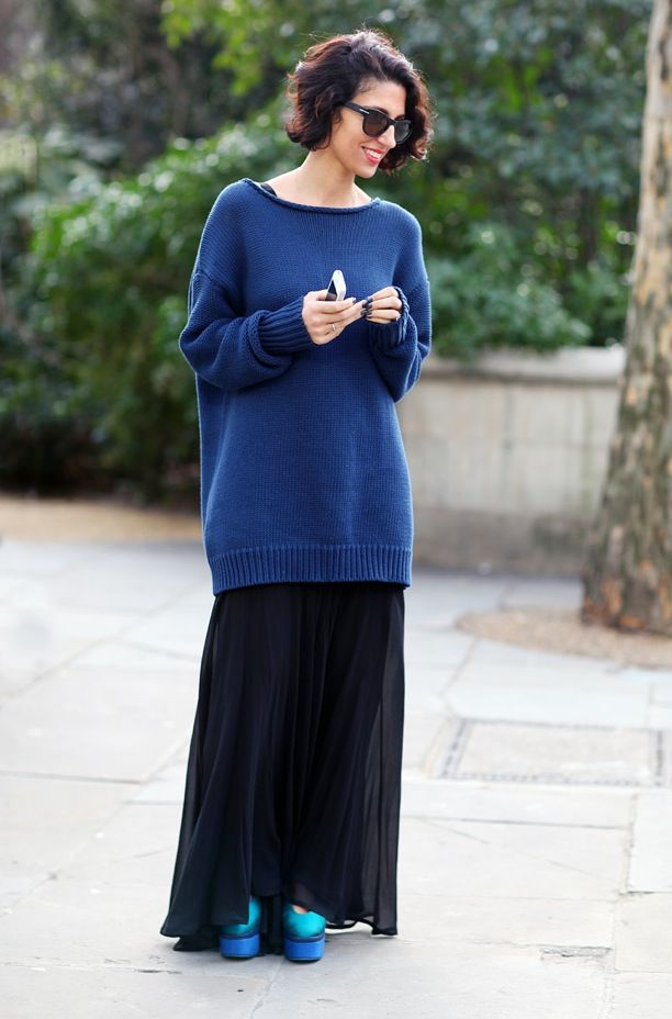 16 Ways How to Style an Oversized Sweater - Blue Sweater with Long ...