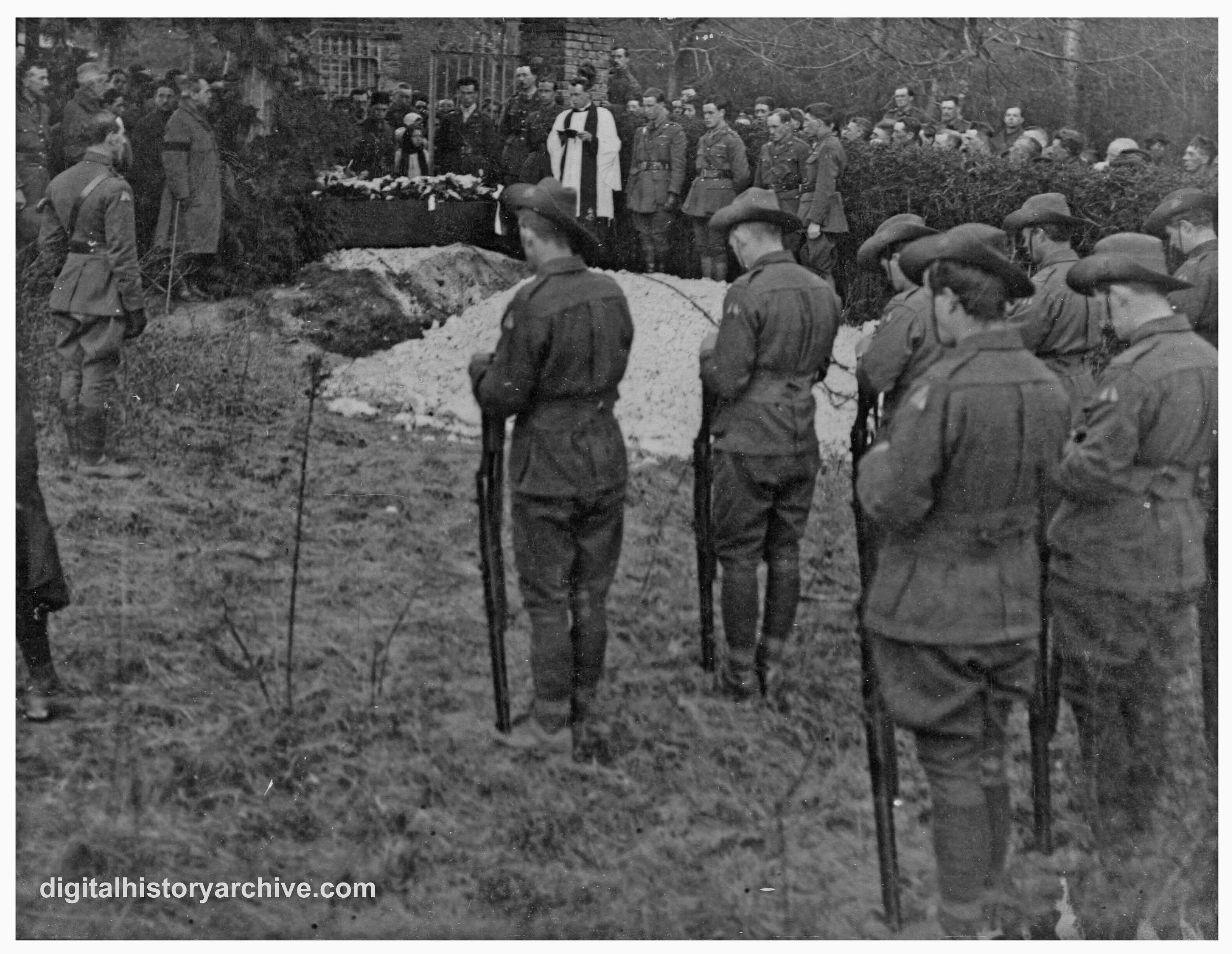 WWI, 1918 - Graveside scene during the funeral of Baron von ...