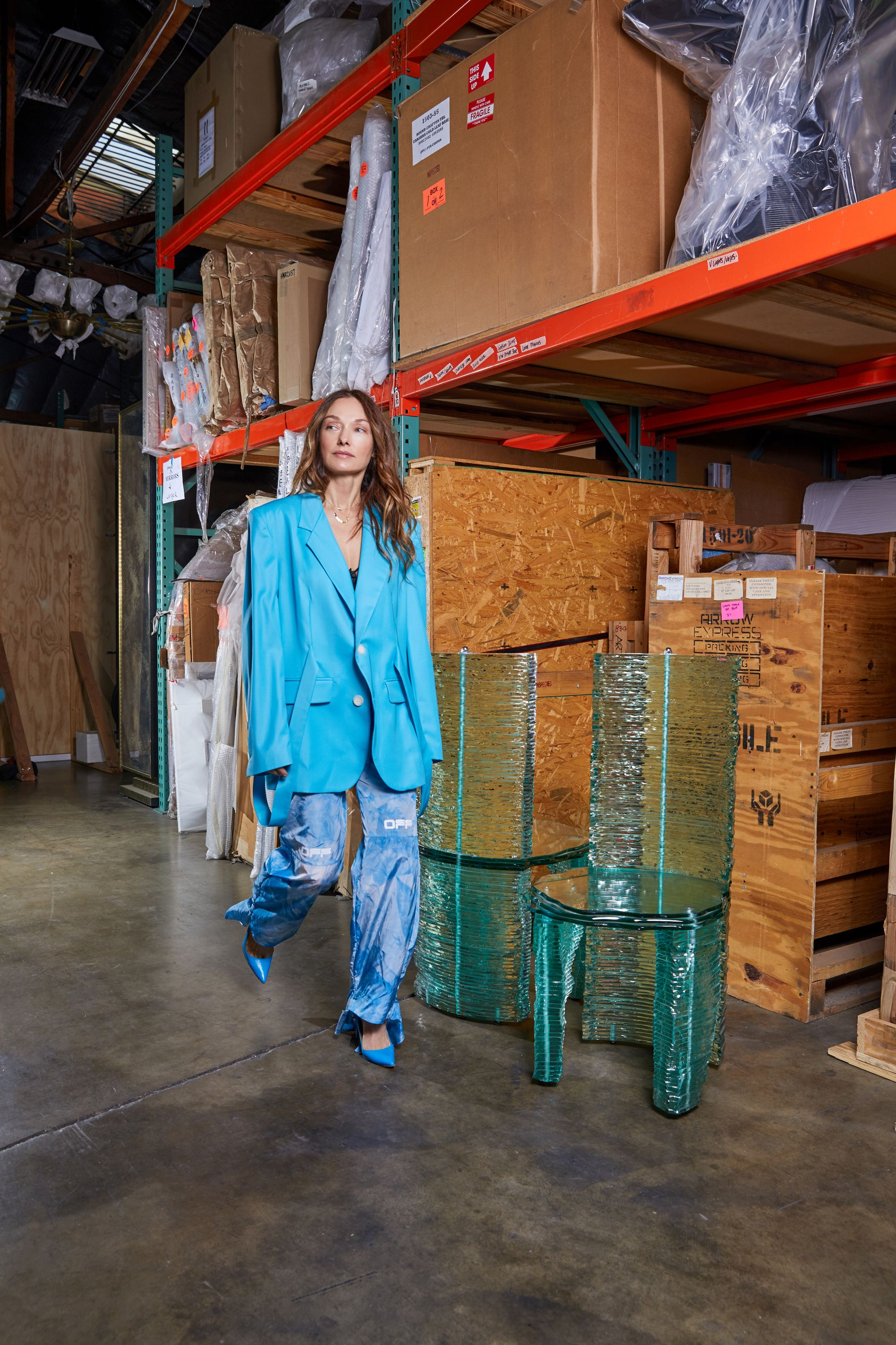 Mass Manufacturing Is A Huge Culprit In Global Warming And There Are Ways As A Designer To Lower Your Carbon Foot In 2020 Kelly Wearstler Star Fashion Carbon Footprint