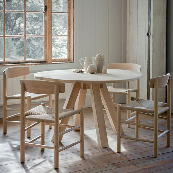 round hambledon oak dining table industrial dining tables round rh pinterest com