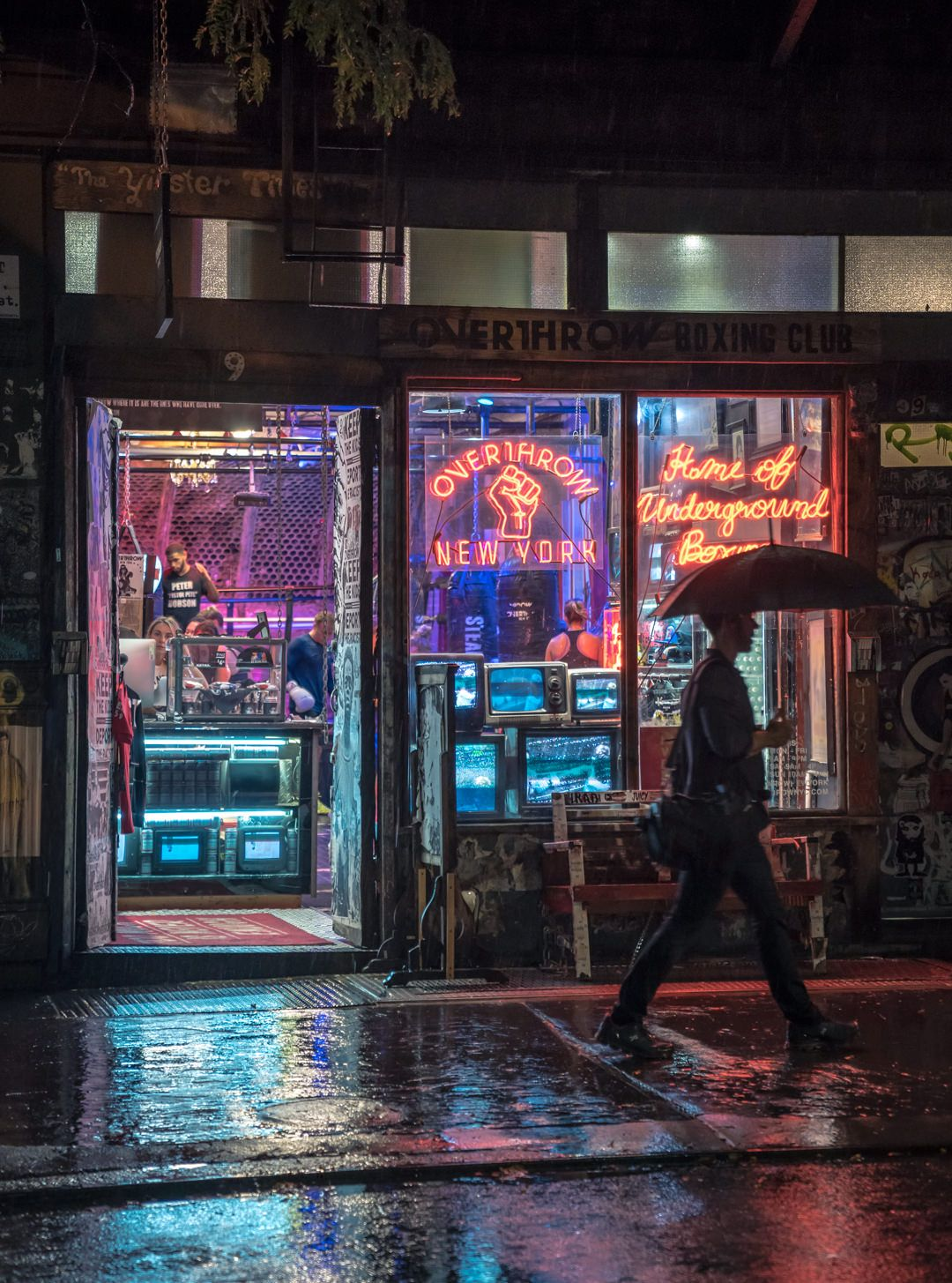 a reminder that hong kong isn t the only city that does neon right rh pinterest com