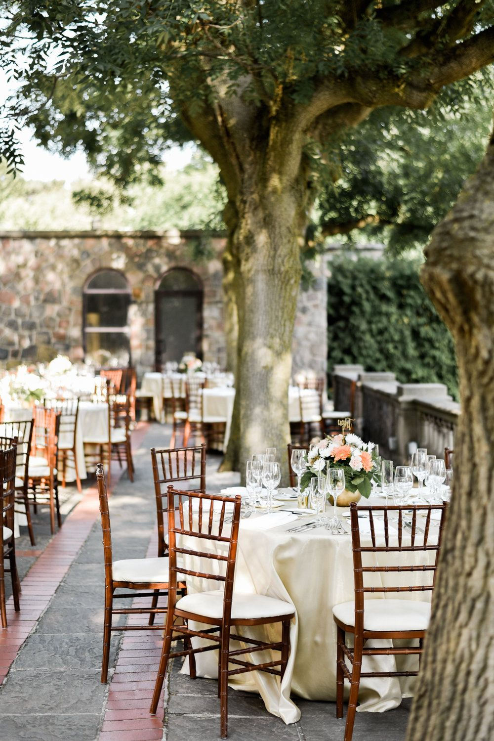 Graydon Hall Wedding Clic Venue In Toronto With Outdoor Terrace And Beautiful Gardens Photographed By Alix Gould