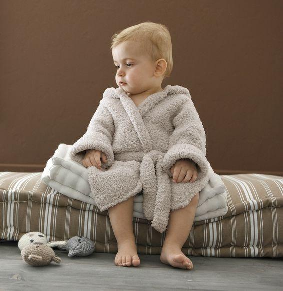 Une robe de chambre pour b b la malle aux mille mailles tricots gratuits pinterest - Modele de chambre bebe ...