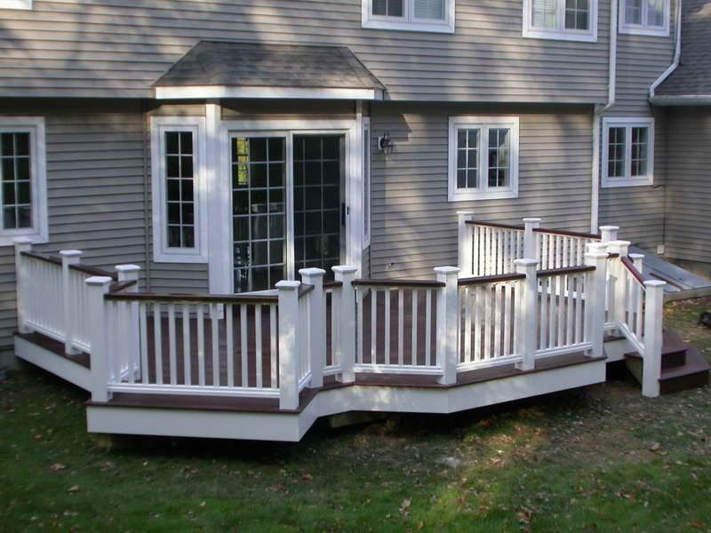 White Railing With Top And Flooring Same Color The House Is Similar To Ours