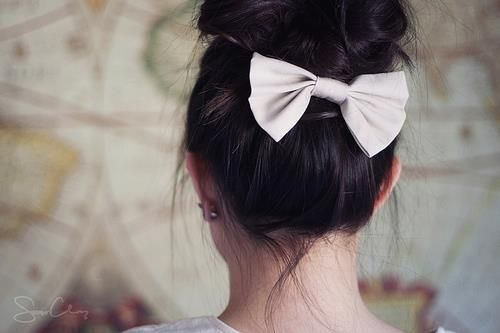 bow underneath.. never thought about it, but i love it!