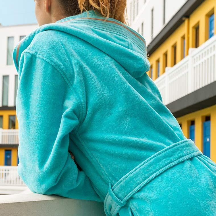 255f0e495d07a Peignoir femme velours à capuche HOLI turquoise en 2019 | La salle ...