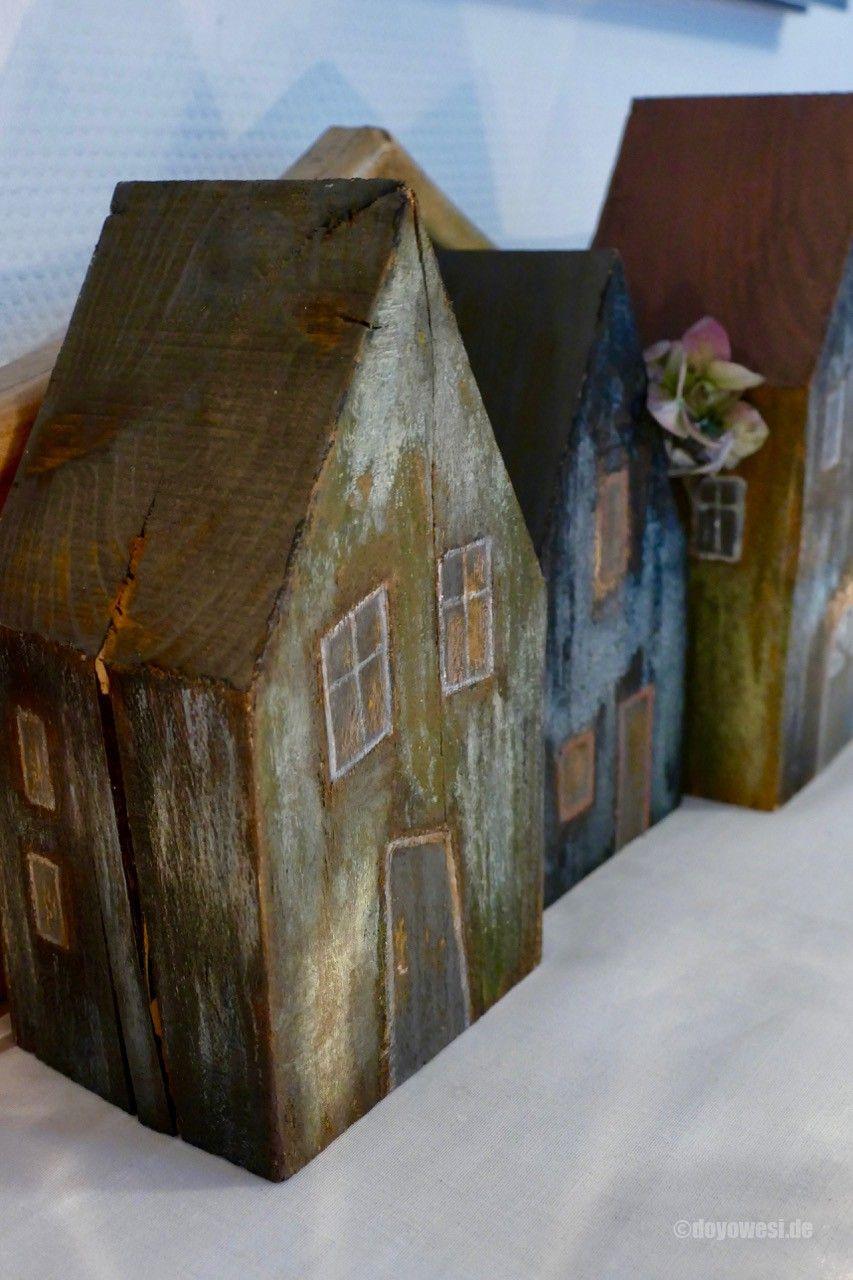 Balkenhäuser mit Patinafarbe - Karin Urban - NaturalSTyle
