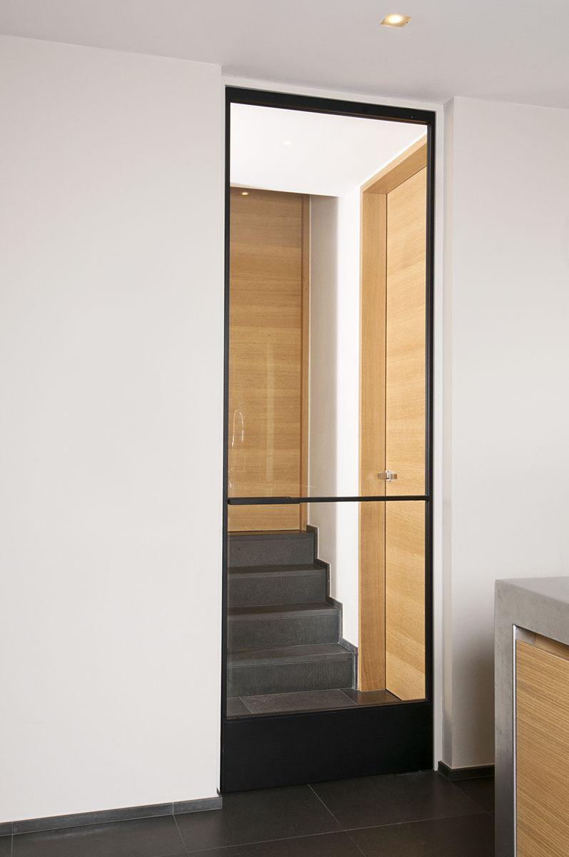 Porte en fer forg avec verre sans encadrement m tallique portes avec vitrage for Porte en fer et verre