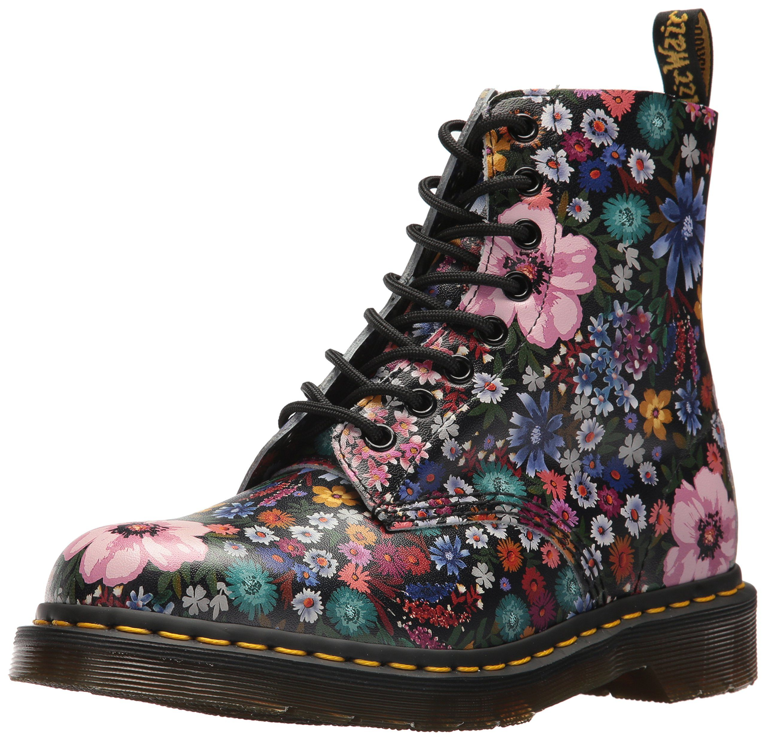 Dr. Martens Womens Pascal Wanderlust Fashion Boot Black