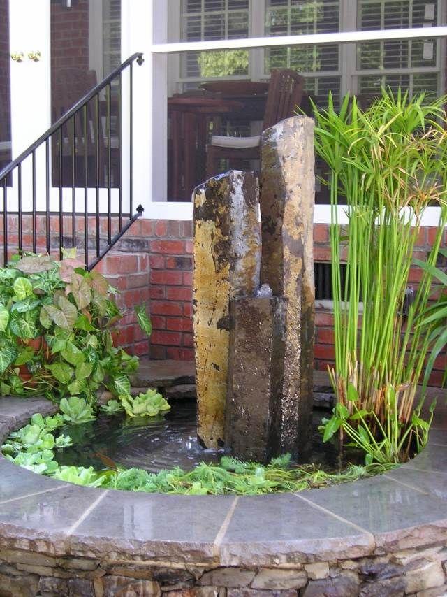 brunnen pumpe säulen stein wasserpflanzen teich Wasserpflanzen - garten brunnen stein ideen