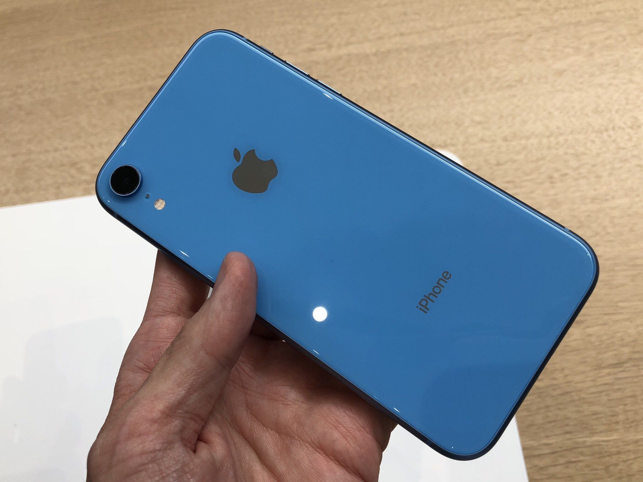 Giveaway iphone xr blue unlocked
