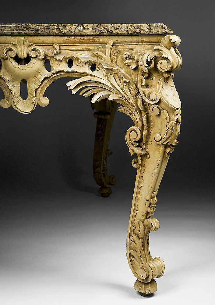 Mid 19th Century Hand Carved Italian Rococo Center Table Viktorianskie Interery Nozhki Stolov Viktorianskij
