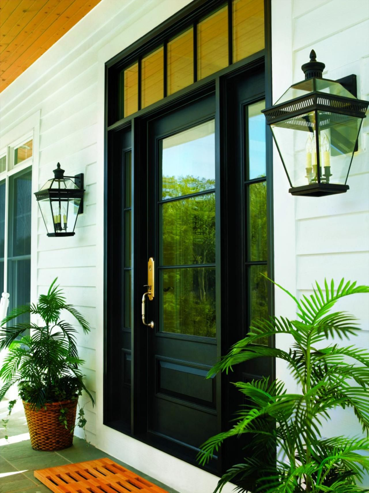 20 Stunning Entryways and Front Door Designs | Hgtv, Front ...