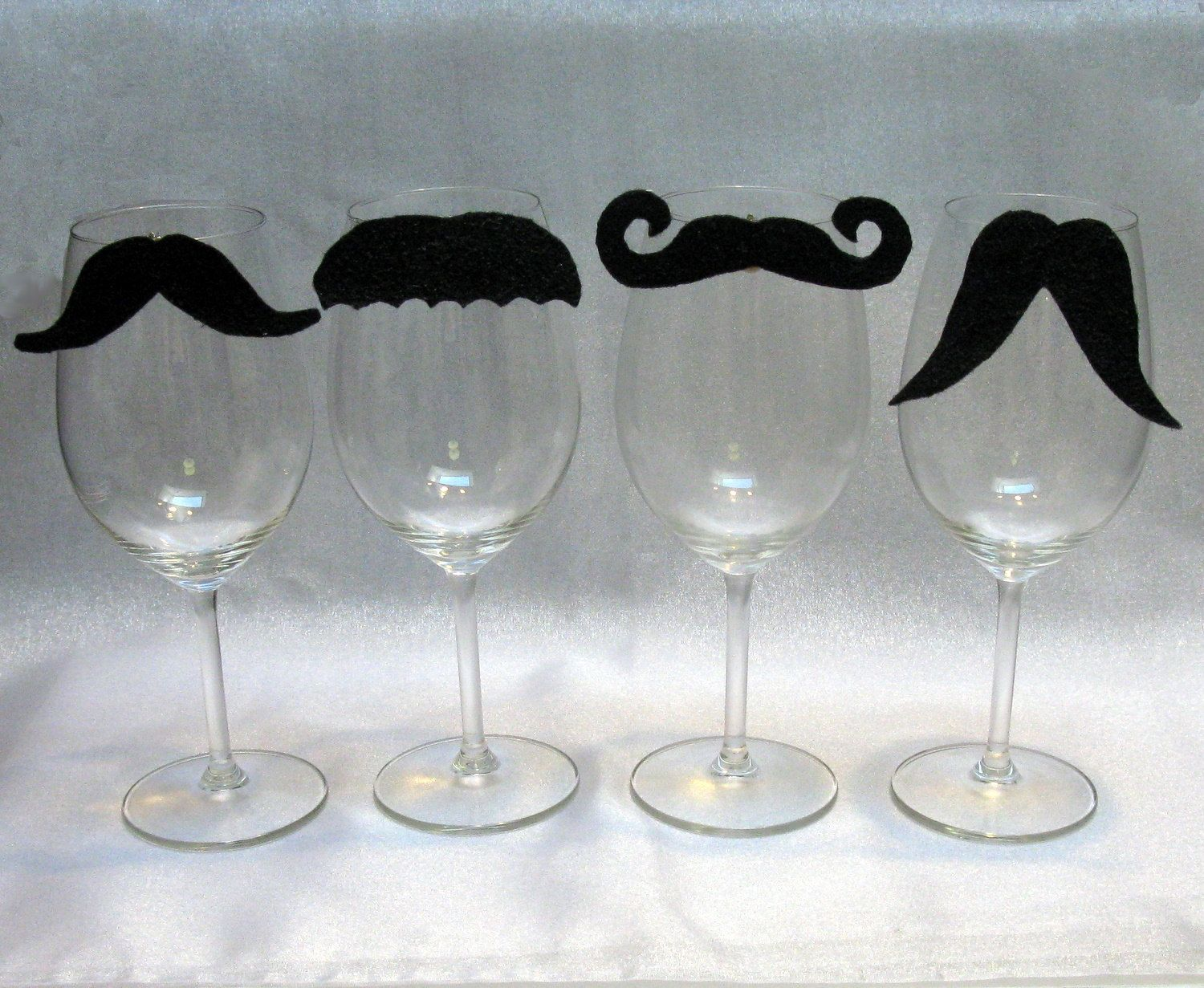 moustaches verres diy pinterest moustache deco et decoration. Black Bedroom Furniture Sets. Home Design Ideas