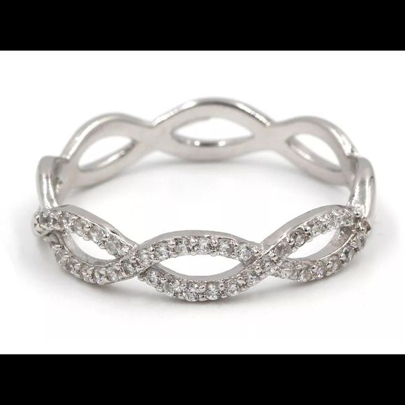 .925 Sterling Silver CZ Criss cross Ring Condition: New Without Tags, Maine Stone: cubic Zirconia, color: Clear, Material: CZ, Brand:  Handmade, Style: Band, Metal: White Gold Plated, Metal Purity: Sterling Silver Jewelry Rings
