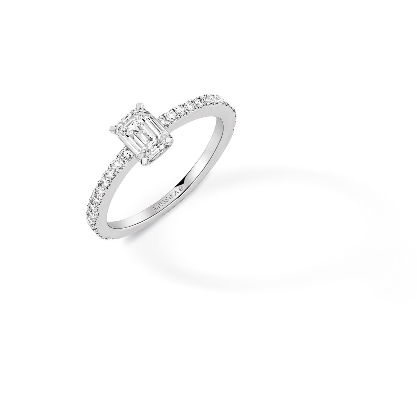bague diamant solitaire messika
