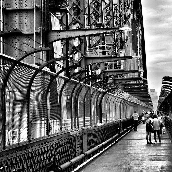 #latergram #instaday #sydney #bridge #sydneyharbourbridge #blackandwhite #photography by remi_vrt http://ift.tt/1NRMbNv