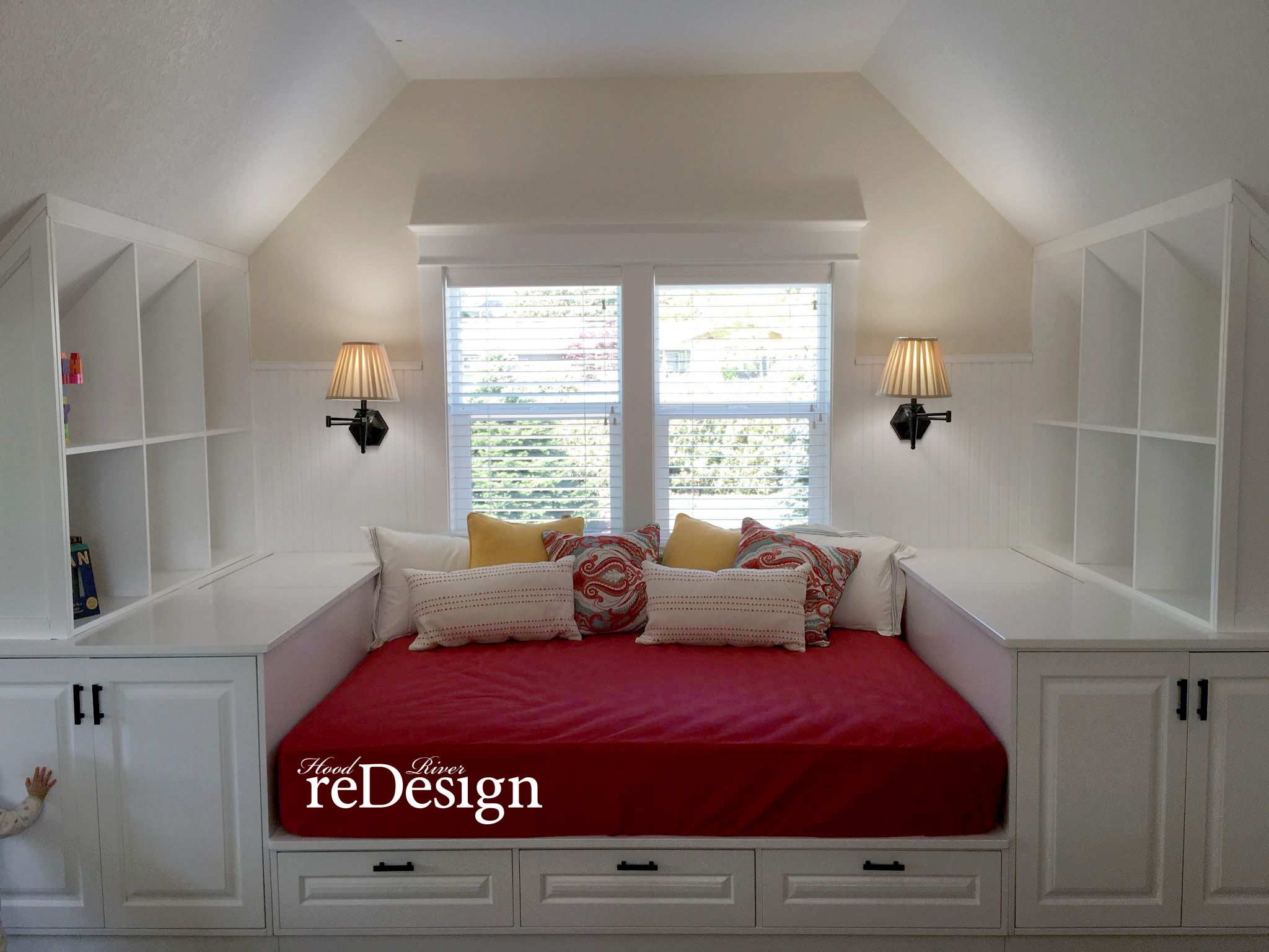 Queen Size Daybed With Massive Storage Hooriverredesign Com