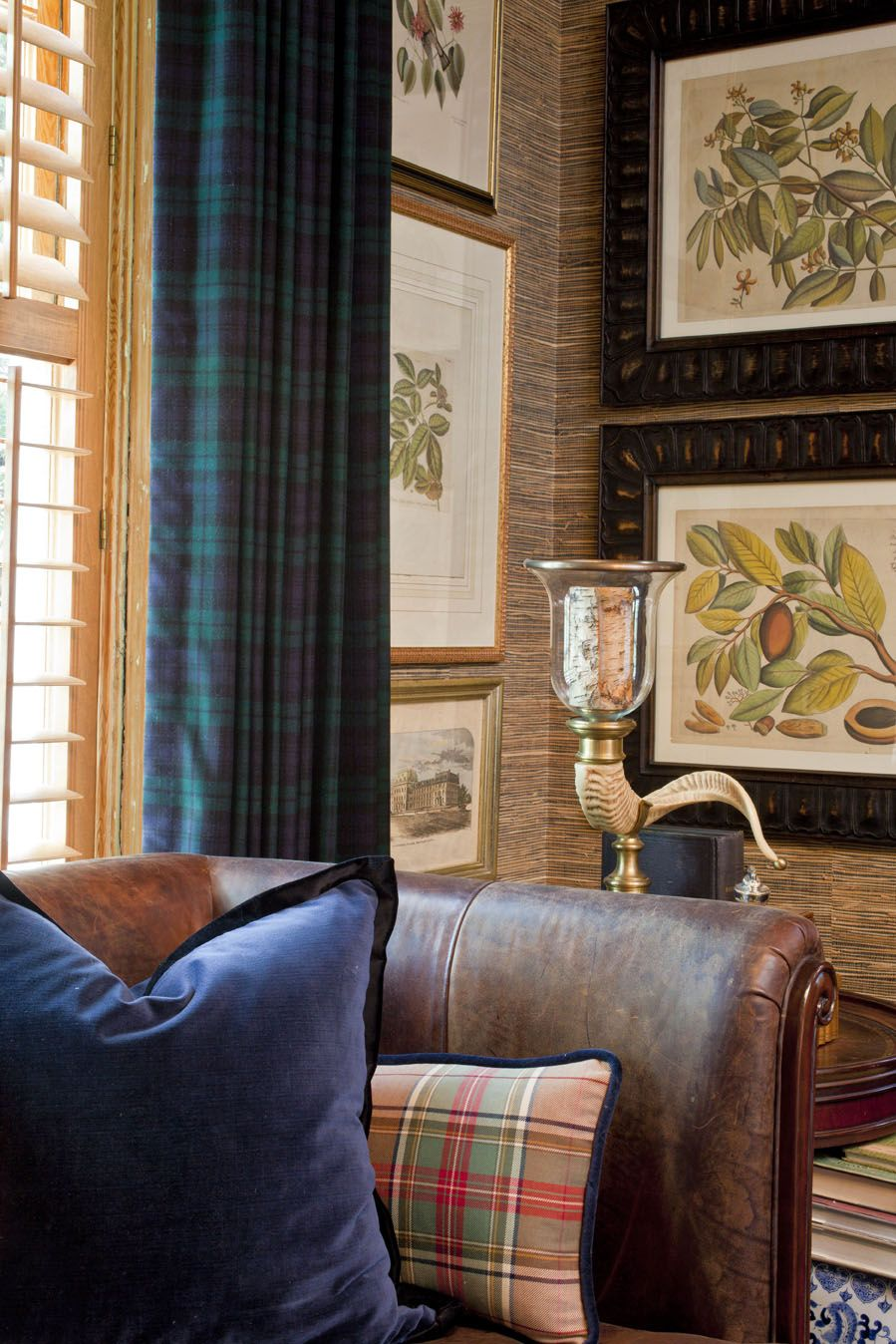 Fabric Makes The Window Treatments Plaid Curtains Home Family Room #plaid #curtains #for #living #room