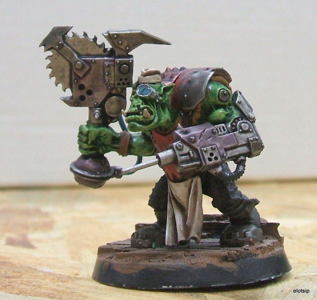 Warhammer 4ok Ork Painboy unused with base