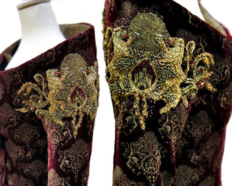 There are many more clear images and close ups of the embroidery on the costumes for GoT on this article.