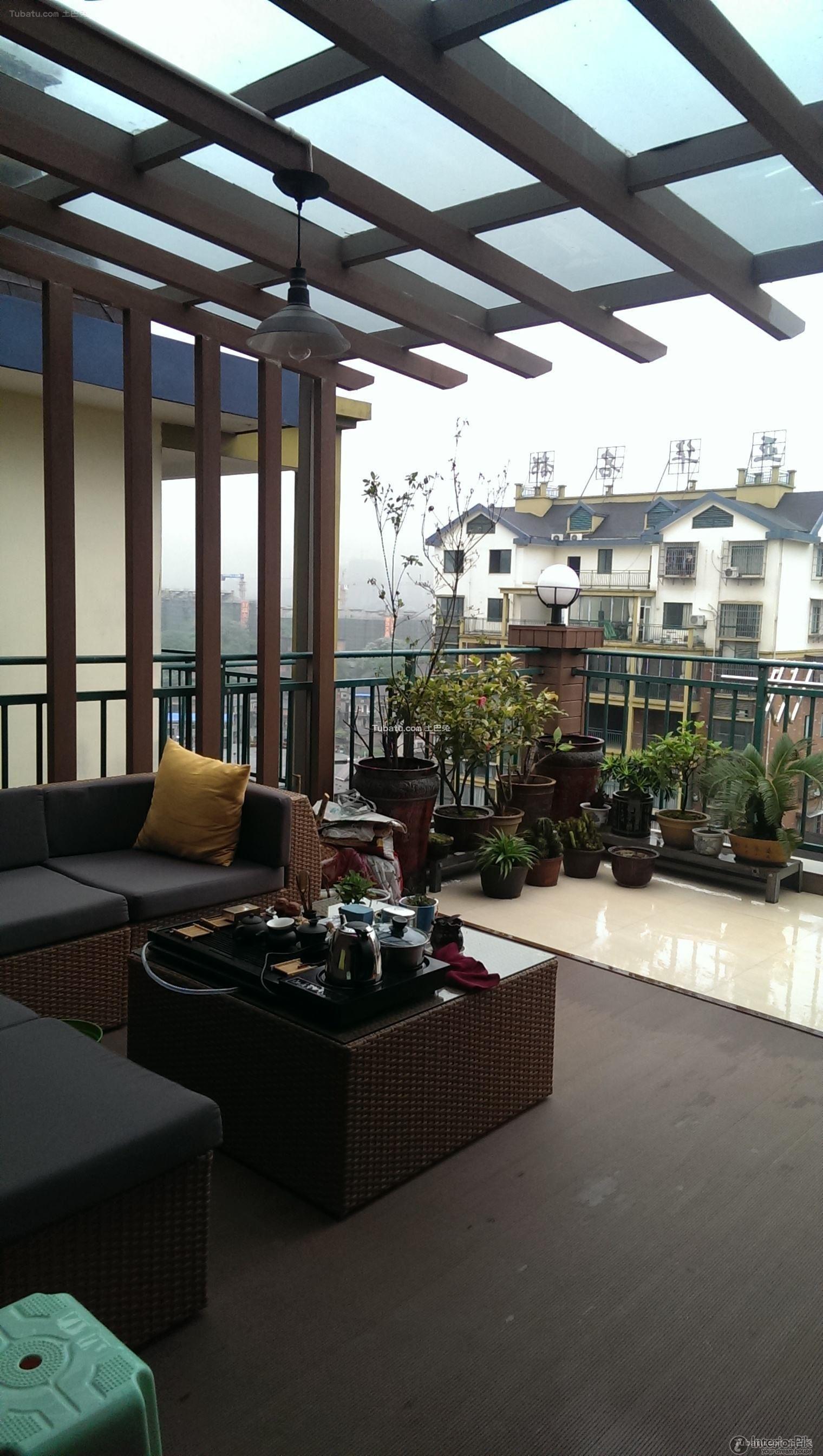 Villa Semi Open-air Balcony On The Second Floor Design