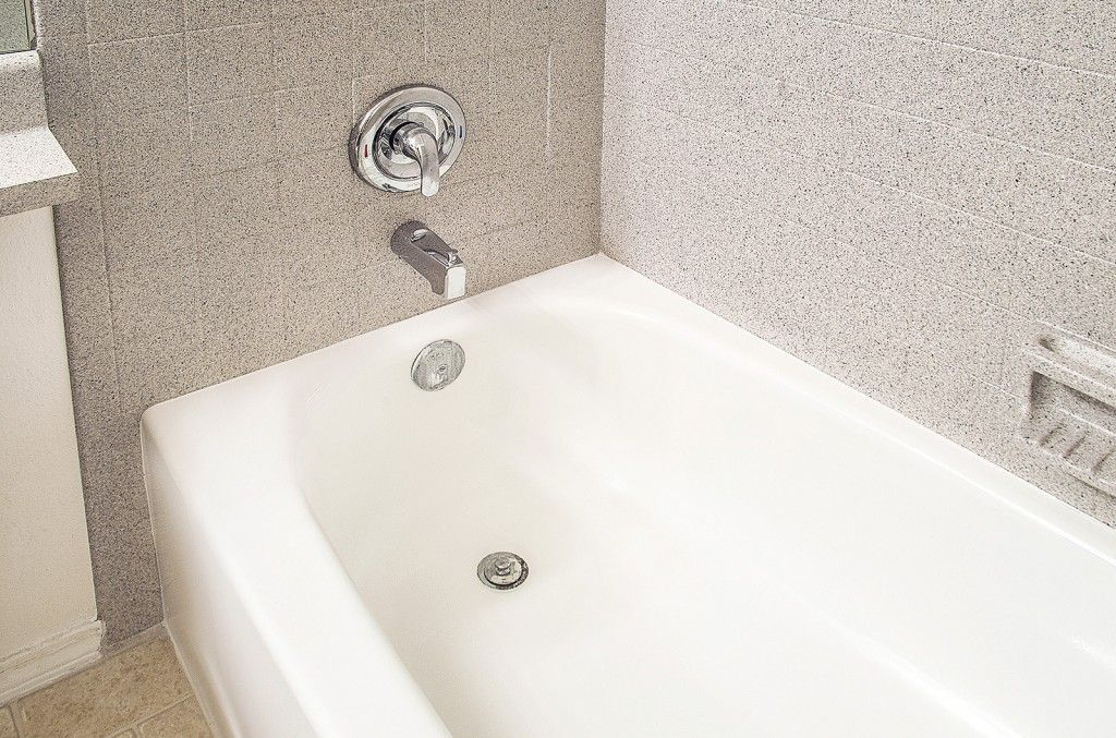 Bathtub Resurfacing Www.bathtubrefinishingphoenix.net Phoenix, AZ Low Price  Is A Certified Licensed