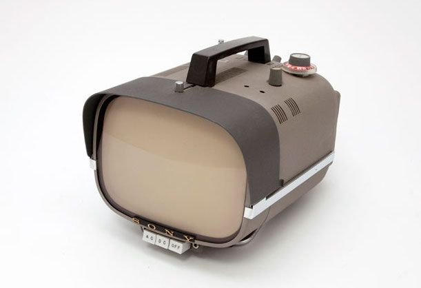 COOL!! vtg 1960s PORTABLE SONY MICRO TV MODEL 5-307UW WITH ...  |1960s Portable Televisions