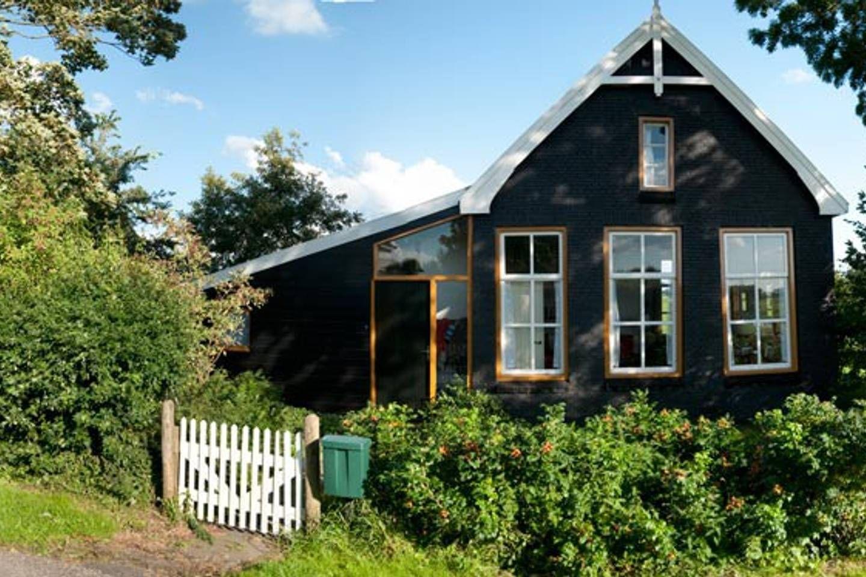Holiday home with big garden around Häuschen zur Miete