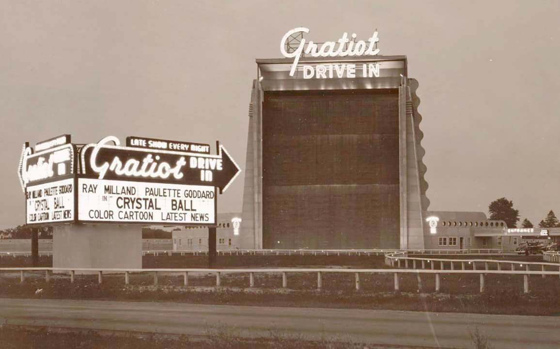 Gratiot theatre drive in movie theater roseville