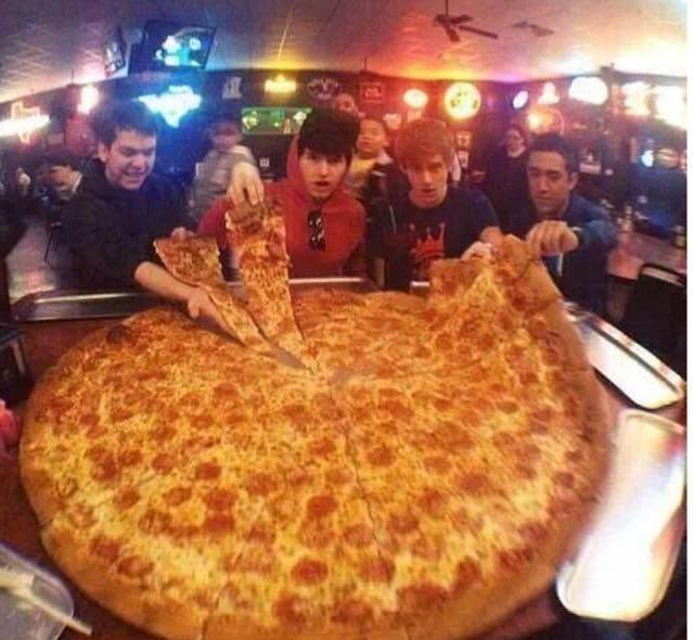 This Huge Ass Pizza Can Be Bought At Big Lou S In San