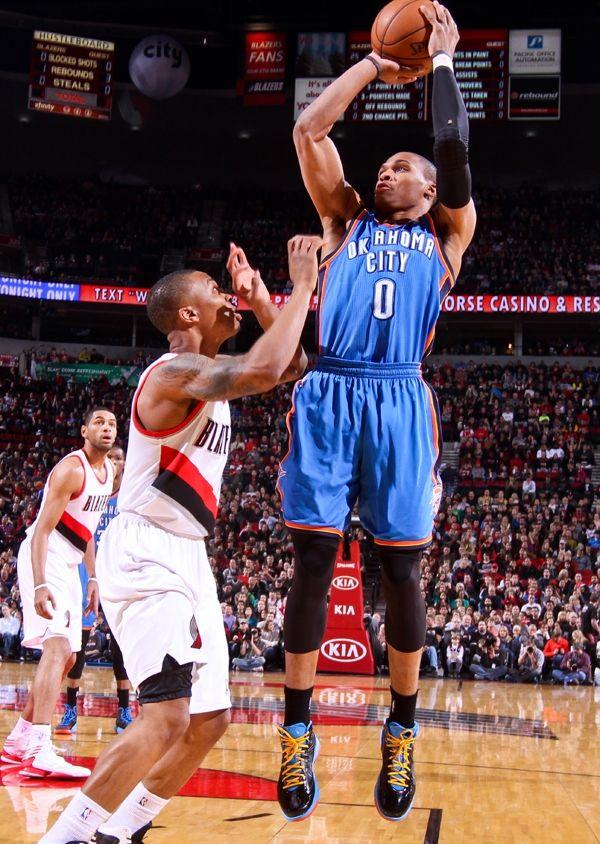 Thunder At Blazers Jan 13 2013 Oklahoma City Thunder Oklahoma City Thunder Thunder Basketball Pictures