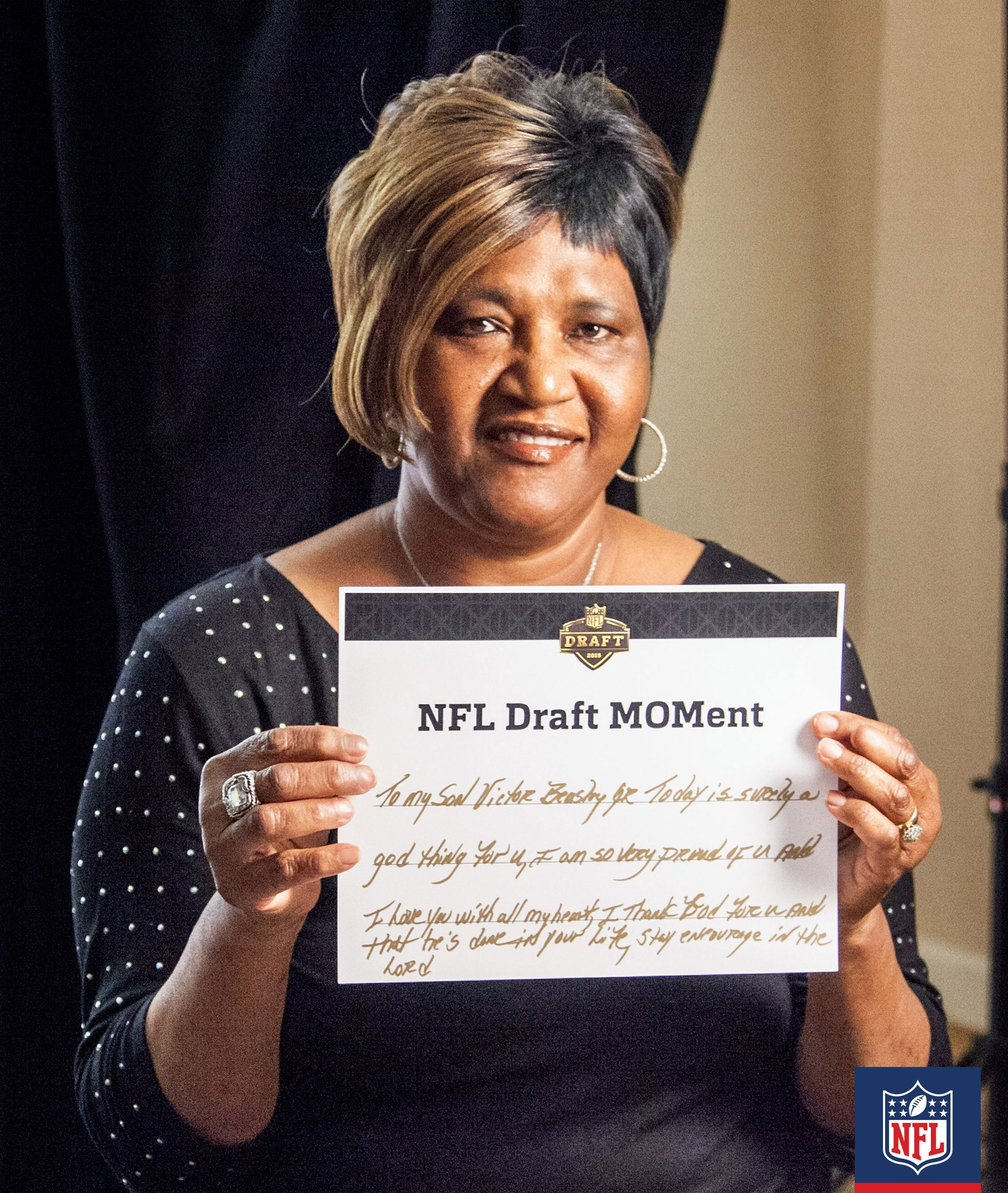Garnette Jones Mom Of Dallas Cowboys Pick Byron Jones Had Some Major Words Of Support For Her Son Welcome To The Nfl Nfl Fans Nfl Players Words Of Support