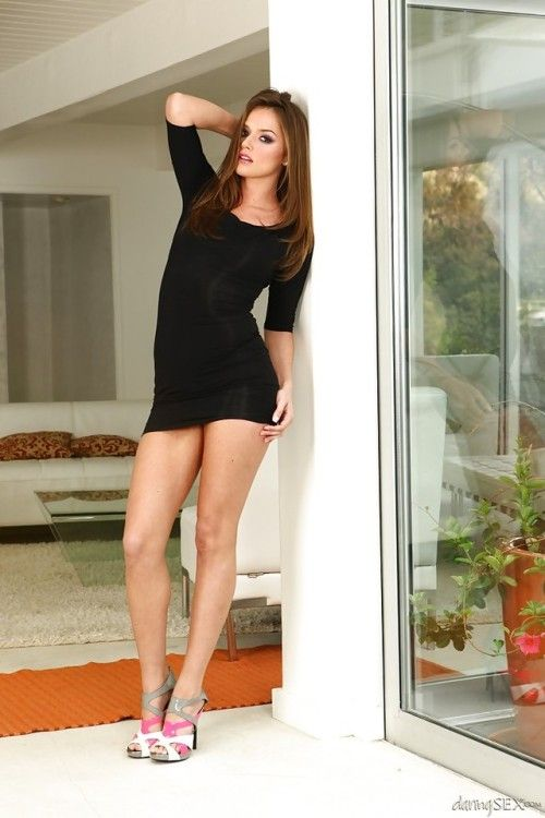 mini-skirt-pornstar-pallery-porn-pics