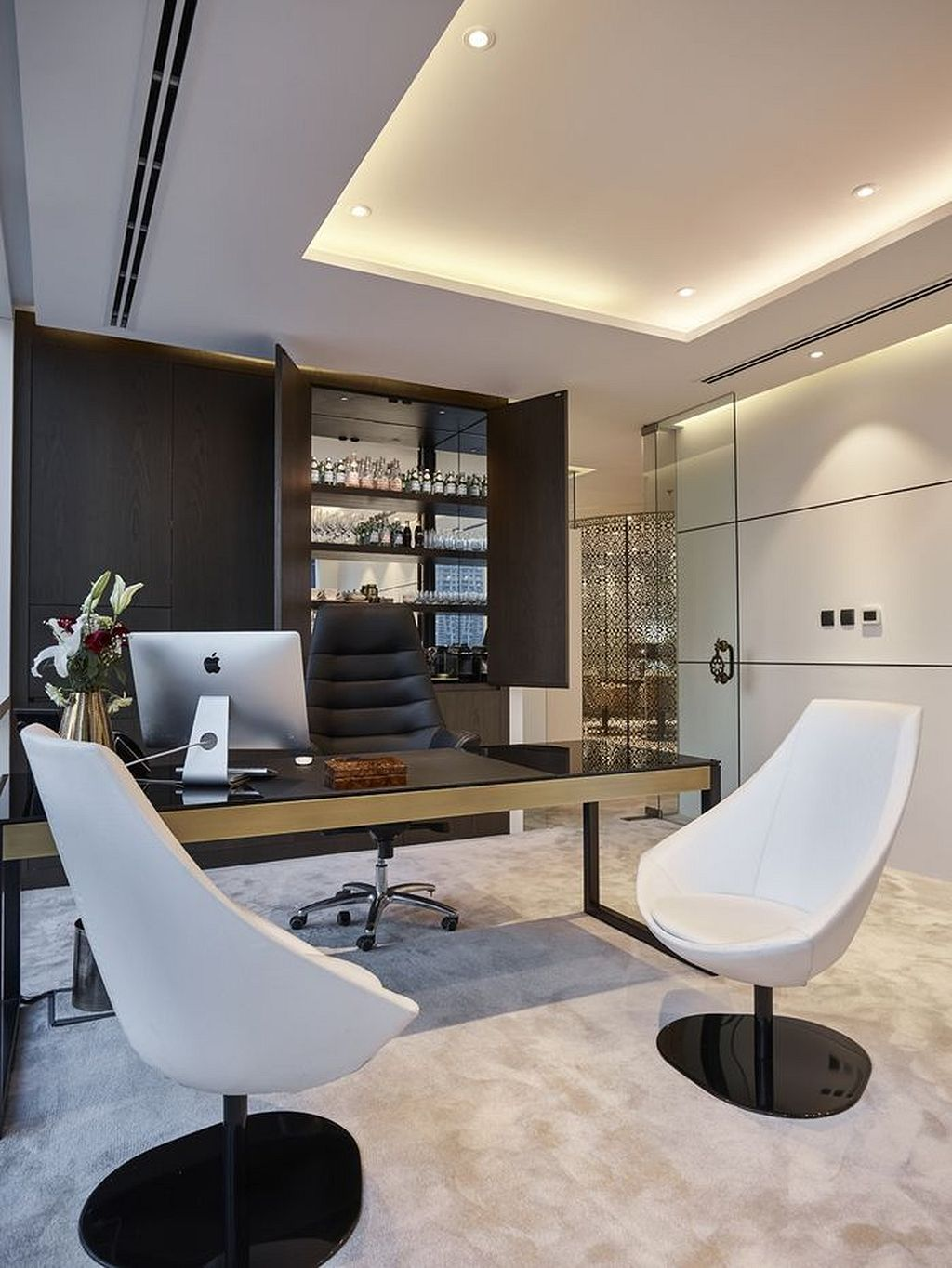 Best 75 Modern Office Interiors Ideas Https Www Mobmasker Com Best 75 Modern Office Interi Modern Office Interiors Small Office Design Private Office Design
