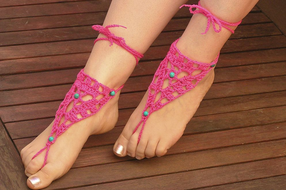 Crochet BAREFOOT SANDALS ....love it