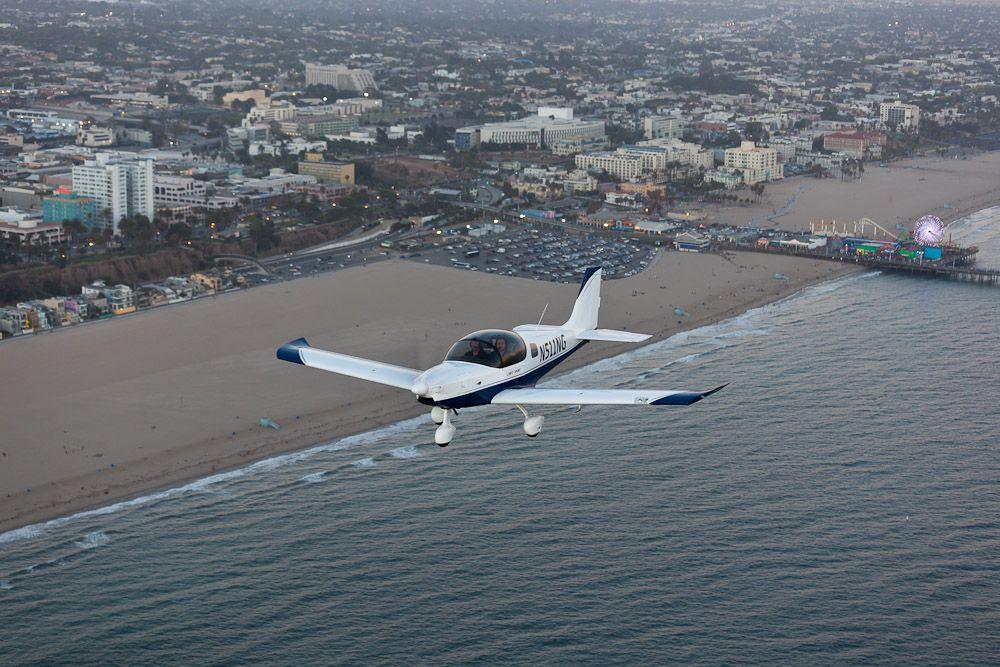 Sling over Santa Monica, Photo by Aaron Gautschi, www