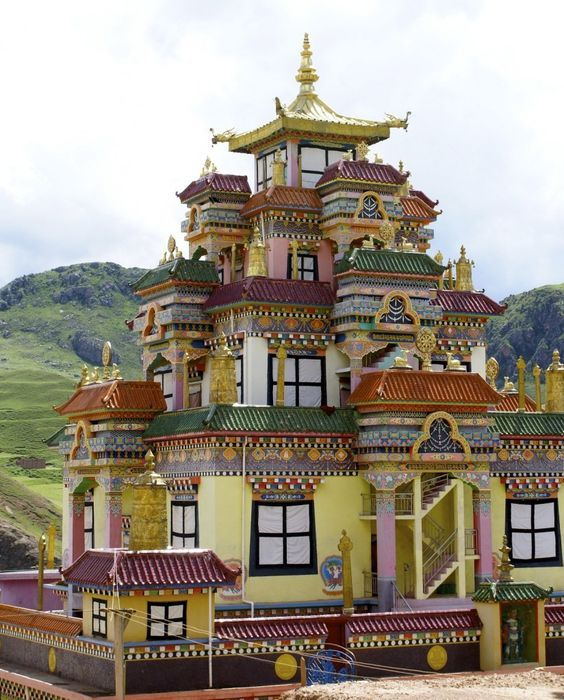 Big Surmang Monastery Tibet Tibet Place Of Worship Architecture