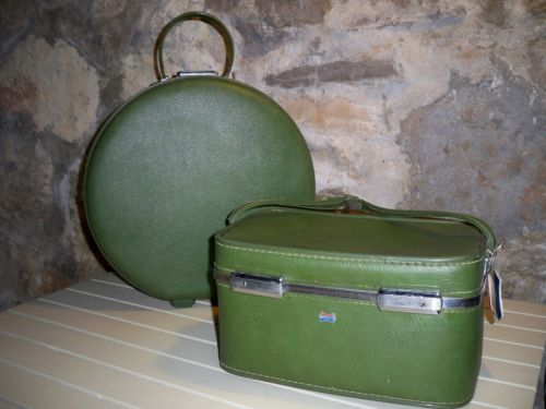 Vintage American Tourister Luggage Set Round Case Mid