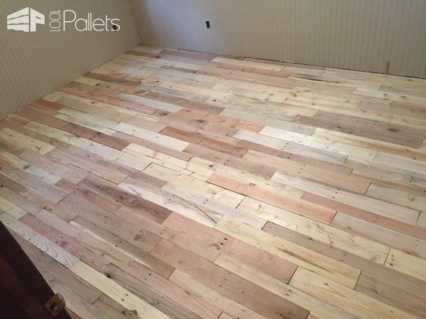 Pallet wood floors two ways pallet floors pallet wood and pallets pallet wood floors two ways diy solutioingenieria Image collections