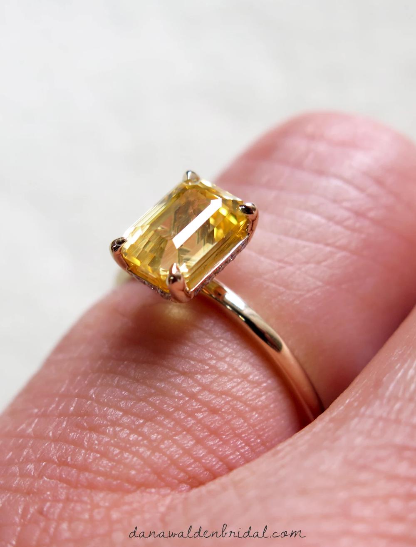 Dascha 2 12ct Yellow Sapphire Engagement Ring In 2020 Yellow Sapphire Ring Engagement Engagement Rings Sapphire Yellow Sapphire Rings