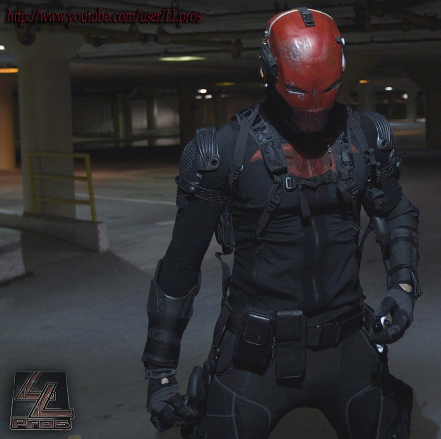 I need this in my life Red Hood cosplay by LLPros ...
