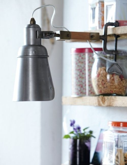 Top 5 Accessories For An Industrial Décor