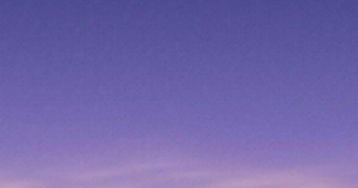 خلفيات القمر خلفيات قمر وليل خلفيات قمر وبحر للموبايلات أحلي صور القمر للهواتف الذكية ال Blue Wallpaper Iphone Plain Wallpaper Iphone Cute Wallpaper For Phone