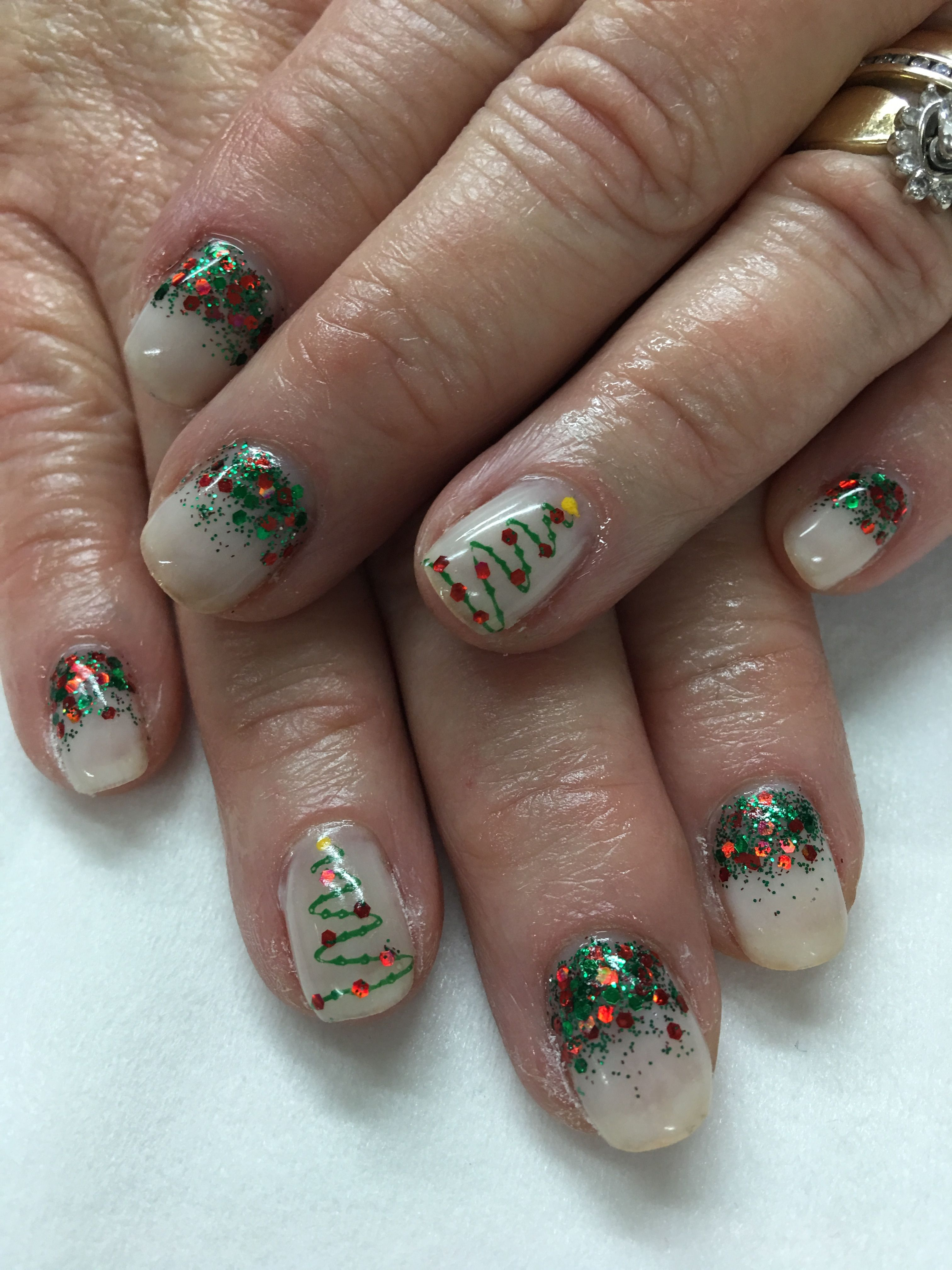 Nude Chunky Red & Green Glitter Christmas Tree Gel Nails | Gel Nail ...
