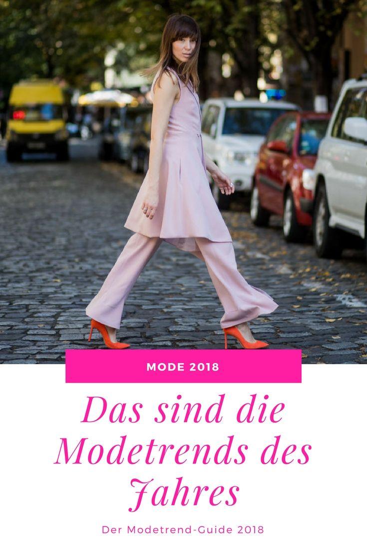 2018 dürfen wir uns auf knallige Farben, lässige Accessoires und feminine Styles freuen. #fashion #fashiontrends #style