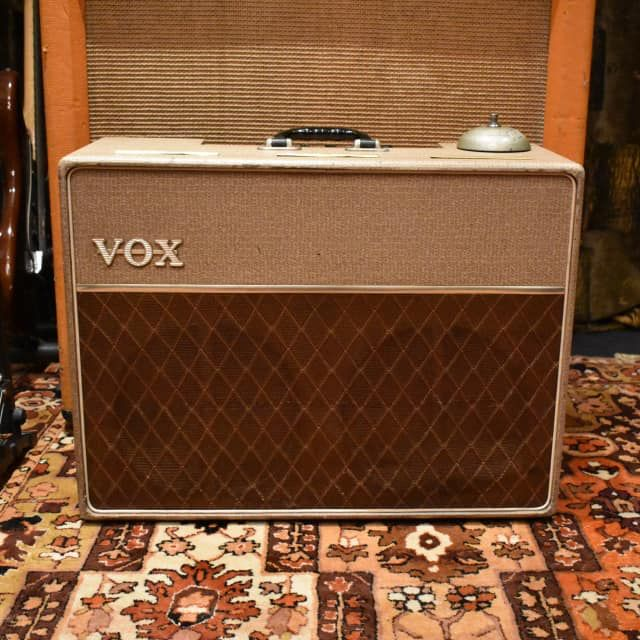 Vox Ac 10 Twin 2 Channel 10 Watt 2x10 Guitar Combo 1962 1967 Reverb Vox Amp Vox Cool Electric Guitars