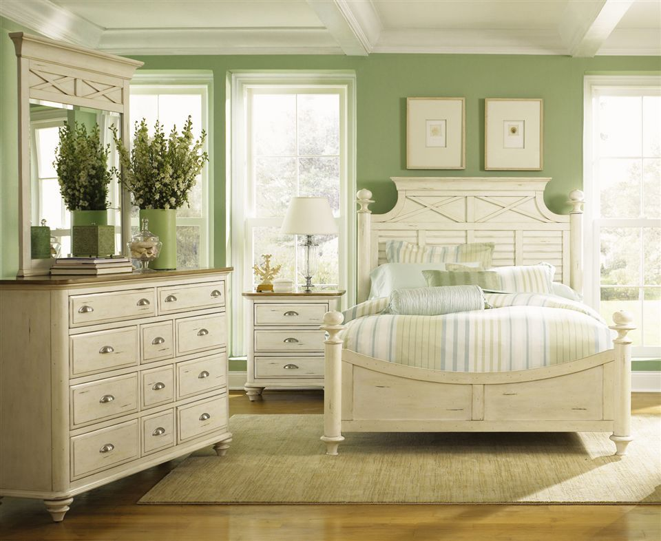 Cottage Style Distressed Three Piece Bedroom Set With Shutter Accents Ocean Isle